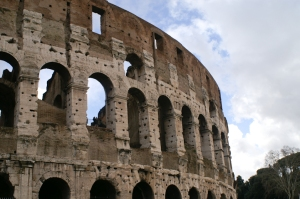 Be in awe of the beautiful Colosseo